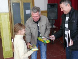 b_385_225_16777215_00_images_news_2014_the_life_of_semenivka_onischenko_kniga4.jpg